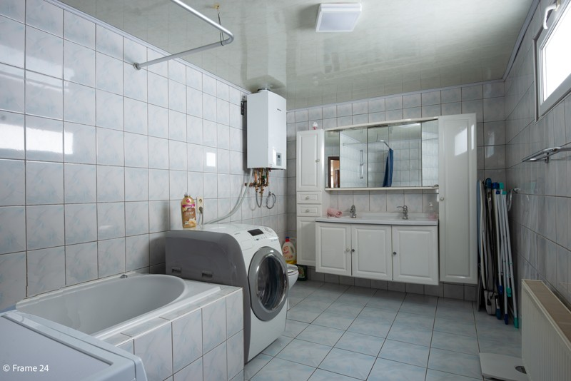 Handelsgelijkvloers met duplex-appartement gelegen op een zeer centrale locatie te Deurne! afbeelding 17