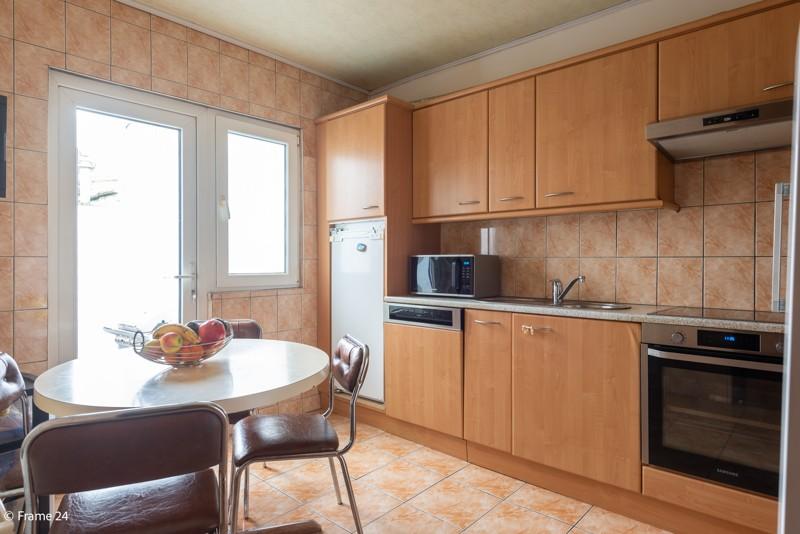 Handelsgelijkvloers met duplex-appartement gelegen op een zeer centrale locatie te Deurne! afbeelding 15