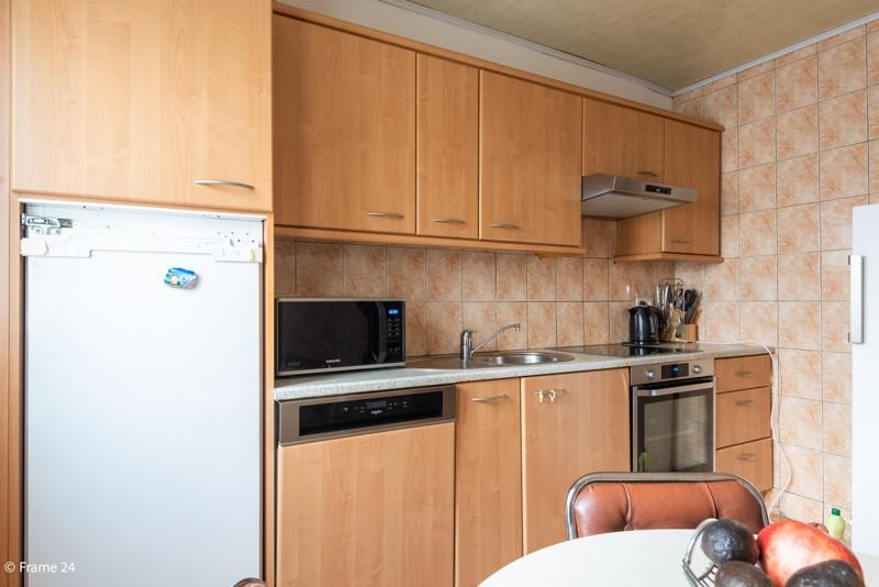 Handelsgelijkvloers met duplex-appartement gelegen op een zeer centrale locatie te Deurne! afbeelding 16