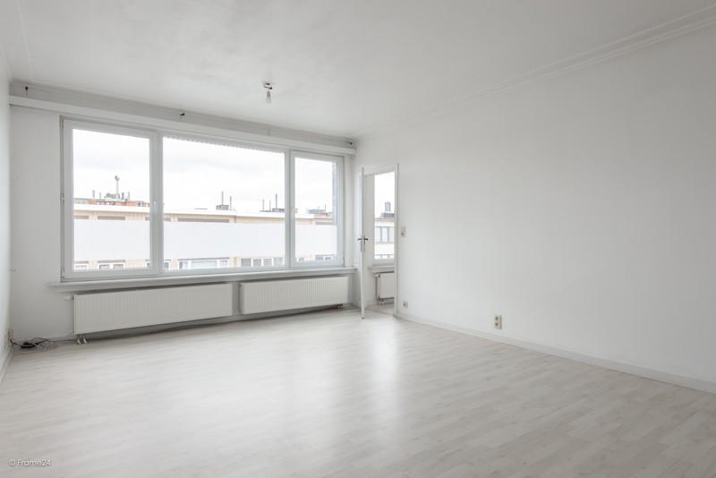 Zeer verzorgd en vernieuwd appartement met drie slaapkamers en terras te Deurne! afbeelding 4