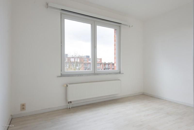 Zeer verzorgd en vernieuwd appartement met drie slaapkamers en terras te Deurne! afbeelding 11