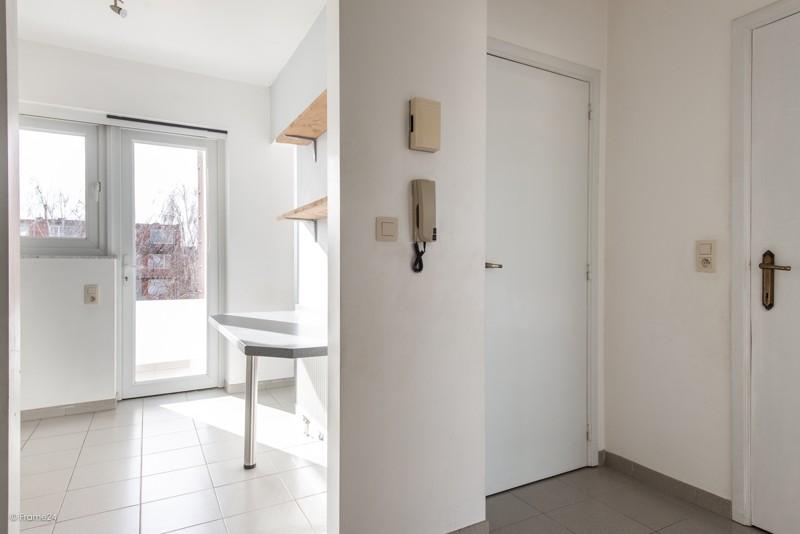 Zeer verzorgd en vernieuwd appartement met drie slaapkamers en terras te Deurne! afbeelding 2