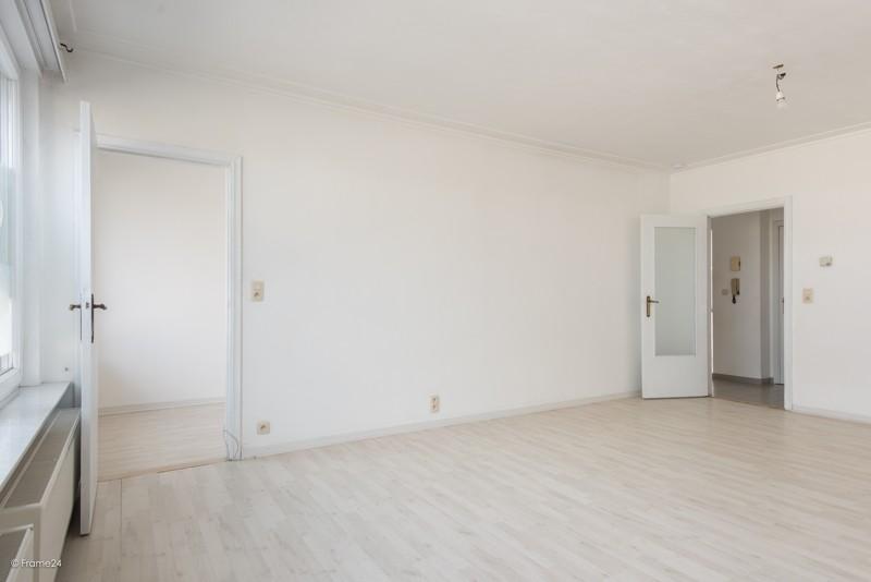 Zeer verzorgd en vernieuwd appartement met drie slaapkamers en terras te Deurne! afbeelding 6