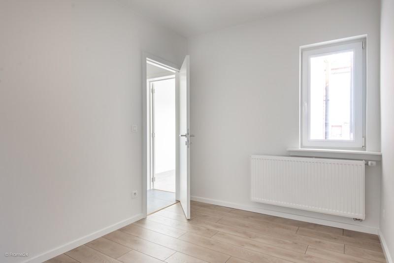 Volledig vernieuwd appartement met drie slaapkamers en terras te Deurne! afbeelding 11