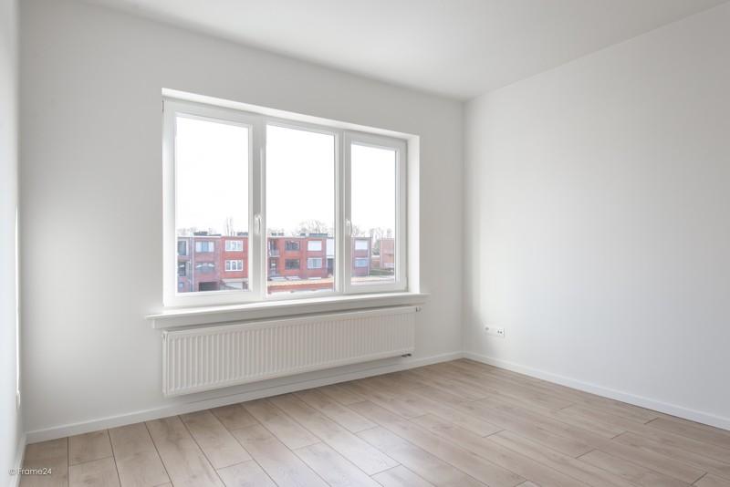 Volledig vernieuwd appartement met drie slaapkamers en terras te Deurne! afbeelding 10