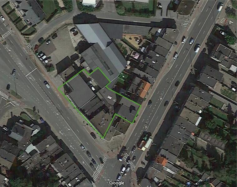 Commerciële gebouwen en appartementen op uiterst interessante locatie te Wommelgem afbeelding 5