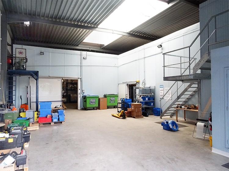 Modern magazijn + kantoor (360m²) nabij de A12 te Schelle afbeelding 3