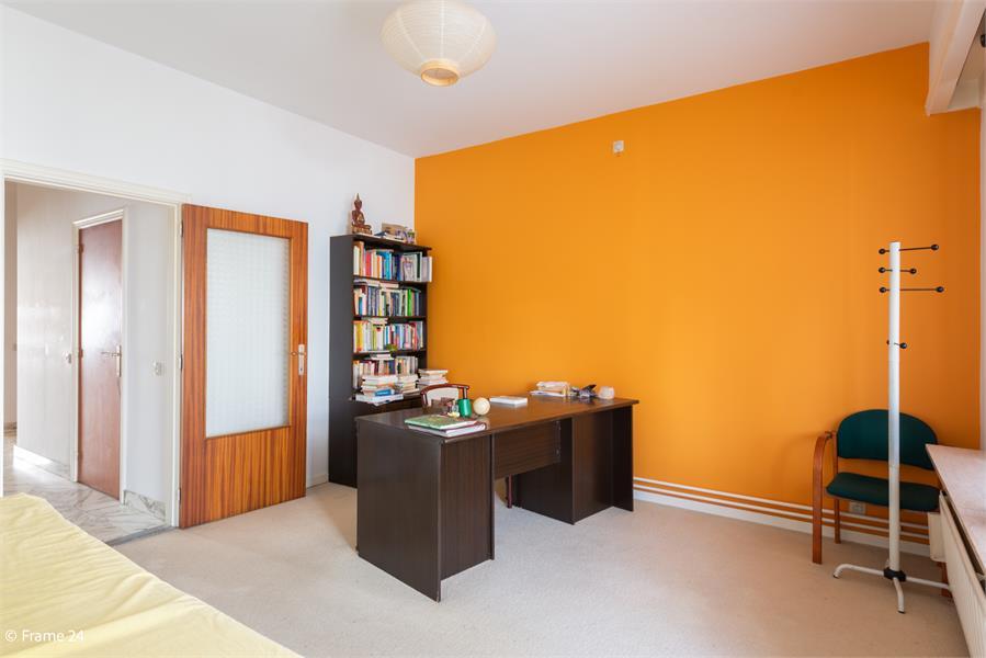 Opbrengstgebouw bestaande uit een handelsgelijkvloers en twee ruime appartementen te Berchem! afbeelding 18