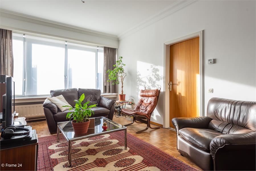 Opbrengstgebouw bestaande uit een handelsgelijkvloers en twee ruime appartementen te Berchem! afbeelding 28