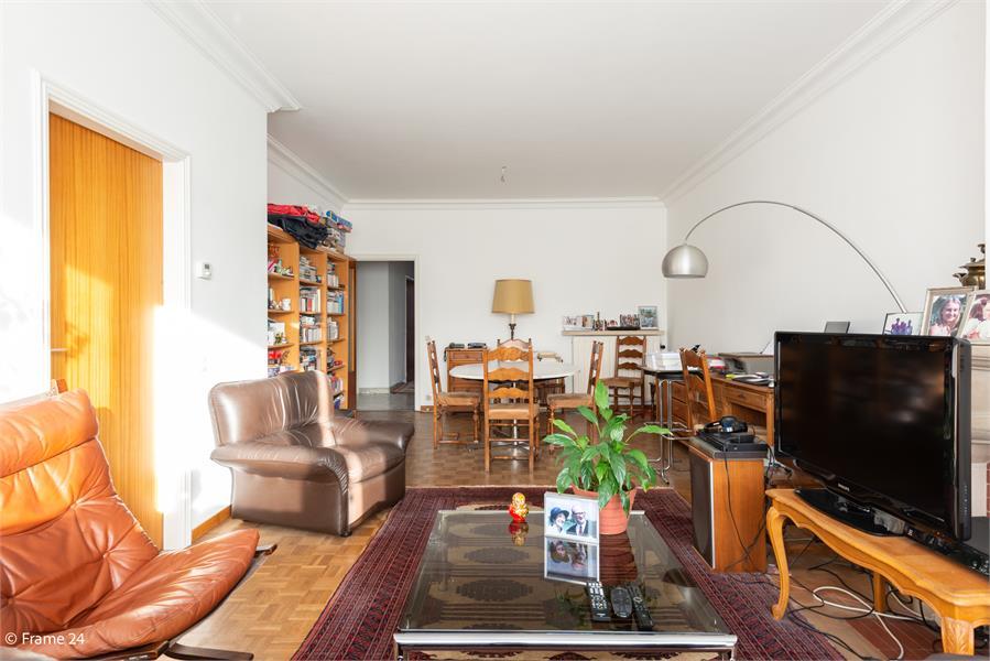 Opbrengstgebouw bestaande uit een handelsgelijkvloers en twee ruime appartementen te Berchem! afbeelding 27