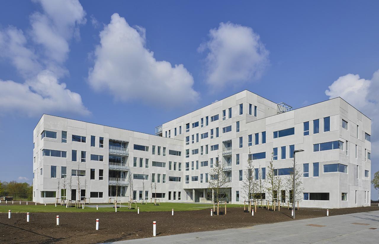 Gemeubelde studentenkamer op Campus Nieuw Zuid te Antwerpen afbeelding 1