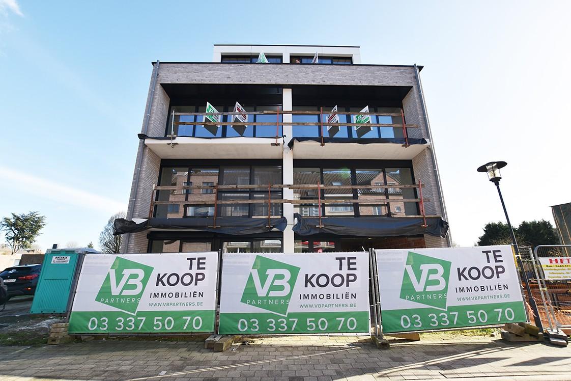 Lichtrijk appartement met 2 slaapkamers en 2 terrassen op toplocatie te Wommelgem! afbeelding 7