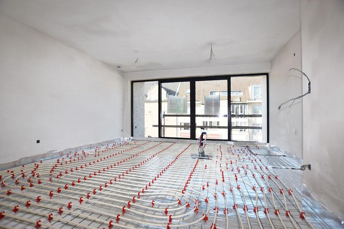 Lichtrijk appartement met 2 slaapkamers en 2 terrassen op toplocatie te Wommelgem! afbeelding 2