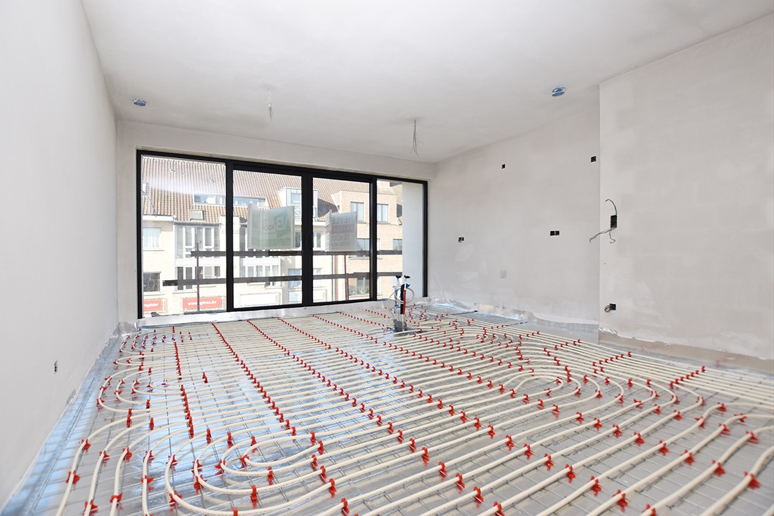 Lichtrijk appartement met 2 slaapkamers en 2 terrassen op toplocatie te Wommelgem! afbeelding 3