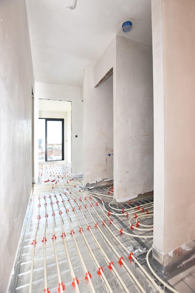 Lichtrijk appartement met 2 slaapkamers en 2 terrassen op toplocatie te Wommelgem! afbeelding 4