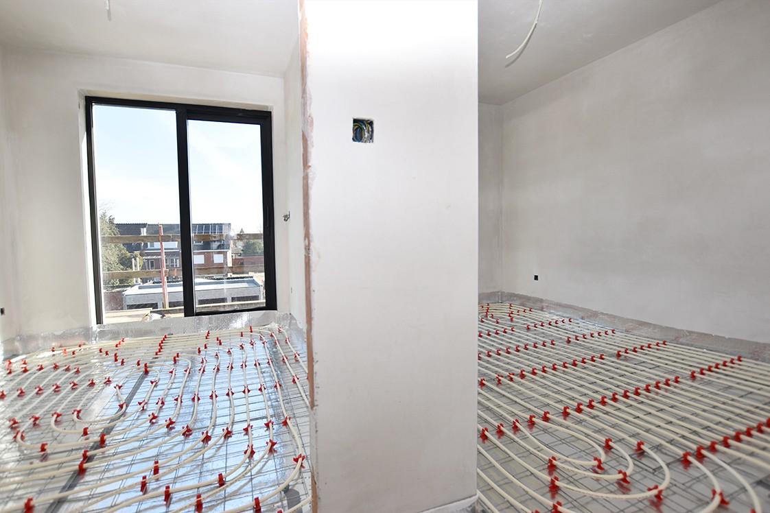 Lichtrijk appartement met 2 slaapkamers en 2 terrassen op toplocatie te Wommelgem! afbeelding 5