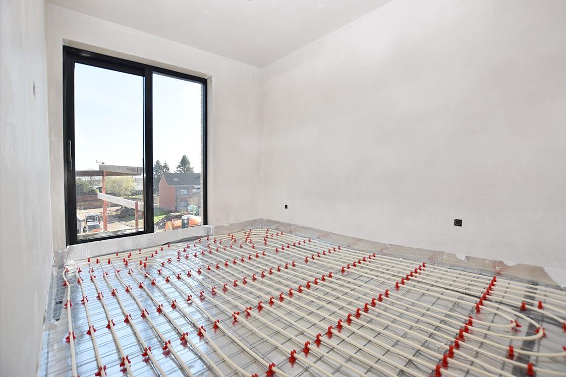 Lichtrijk appartement met 2 slaapkamers en 2 terrassen op toplocatie te Wommelgem! afbeelding 6