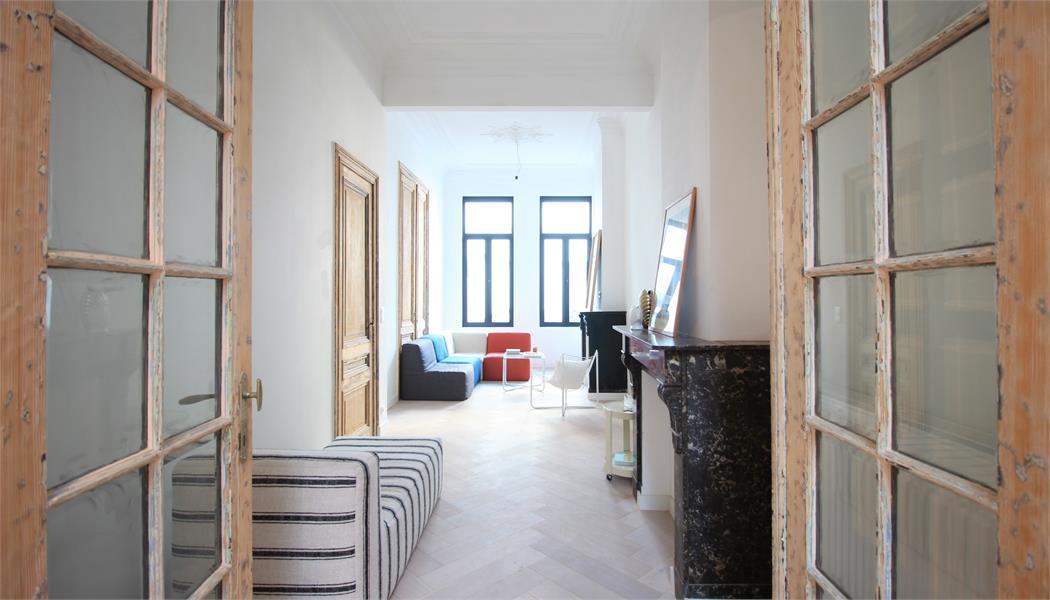 Prachtige volledig vernieuwde herenwoning met authentieke elementen te Antwerpen! afbeelding 8