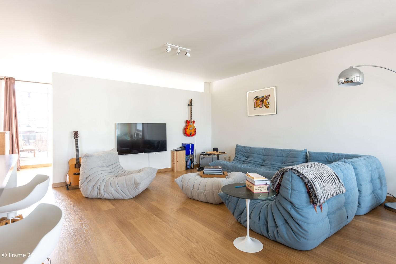Instapklaar dakappartement met zonnig terras op goede locatie te Antwerpen! afbeelding 3