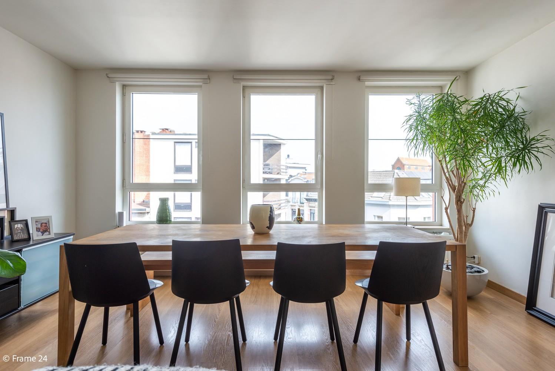 Instapklaar dakappartement met zonnig terras op goede locatie te Antwerpen! afbeelding 4
