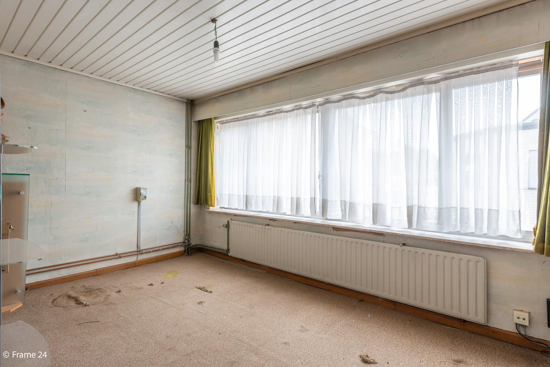 Handelsgelijkvloers + te renoveren appartement  met commercieel gunstige ligging afbeelding 10