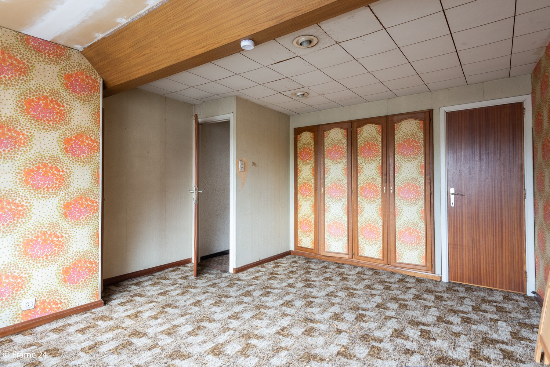 Handelsgelijkvloers + te renoveren appartement  met commercieel gunstige ligging afbeelding 12