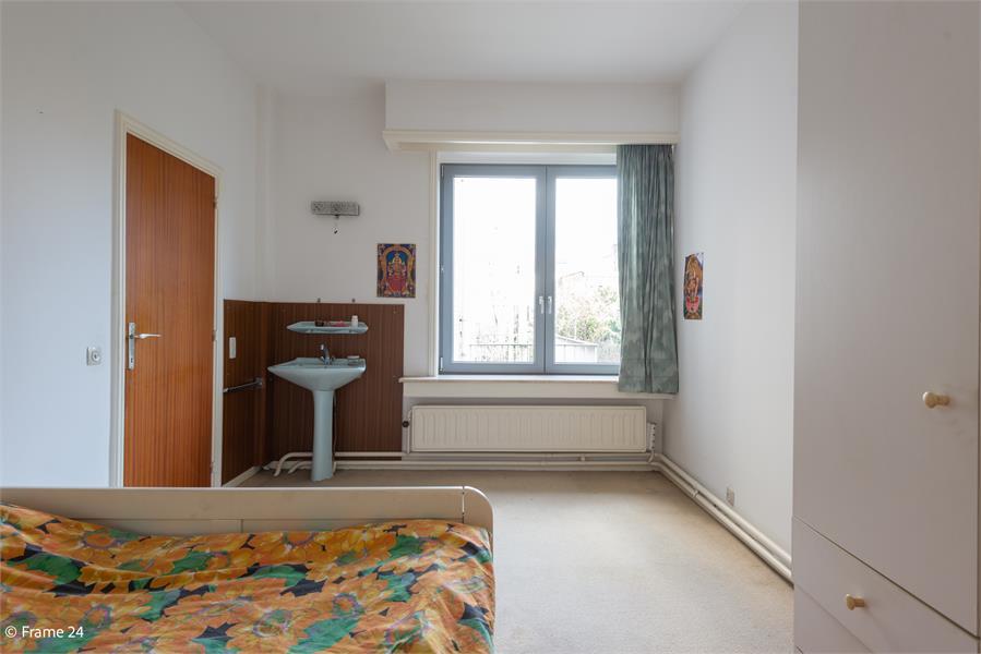 Opbrengstgebouw bestaande uit een handelsgelijkvloers en twee ruime appartementen te Berchem! afbeelding 22