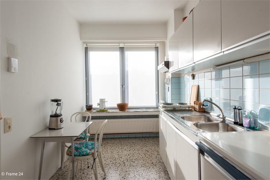 Opbrengstgebouw bestaande uit een handelsgelijkvloers en twee ruime appartementen te Berchem! afbeelding 31