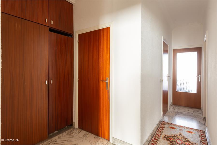 Opbrengstgebouw bestaande uit een handelsgelijkvloers en twee ruime appartementen te Berchem! afbeelding 32
