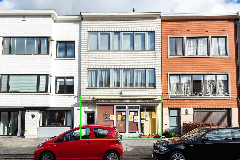 Opbrengstgebouw bestaande uit een handelsgelijkvloers en twee ruime appartementen te Berchem! afbeelding 2