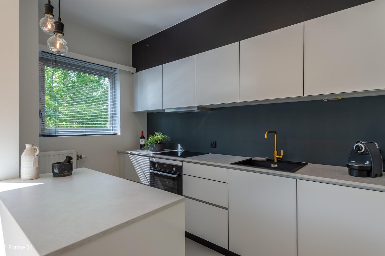 Lichtrijk totaal vernieuwd appartement op rustige locatie te Brasschaat! afbeelding 4