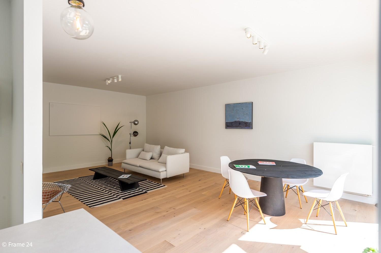 Lichtrijk totaal vernieuwd appartement op rustige locatie te Brasschaat! afbeelding 7