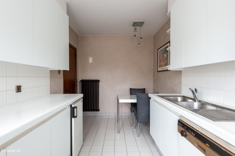 Verzorgde bel-étage met 3 slaapkamers en grote inpandige garage te Deurne afbeelding 12