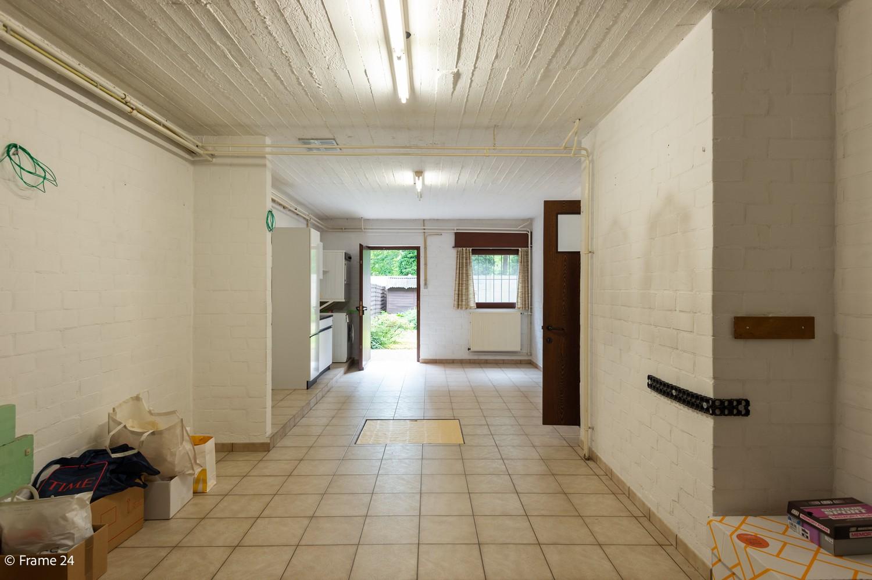 Verzorgde bel-étage met 3 slaapkamers en grote inpandige garage te Deurne afbeelding 24