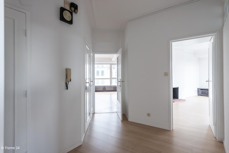Uitzonderlijk appartement (+/- 250m²) met panoramische uitzichten te Antwerpen! afbeelding 9