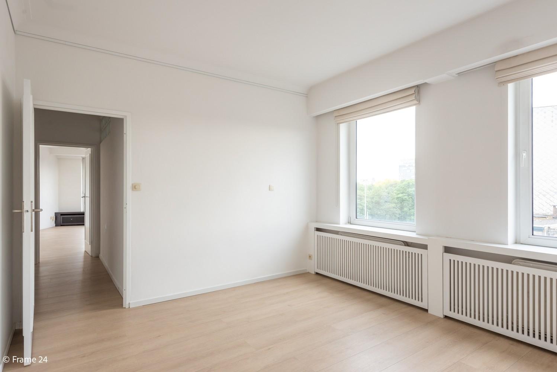 Uitzonderlijk appartement (+/- 250m²) met panoramische uitzichten te Antwerpen! afbeelding 23