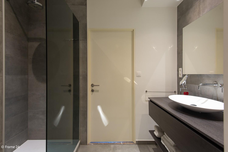 Riant luxeappartement (160 m²) met 3 slks aan het Koning Albertpark te Antwerpen! afbeelding 9