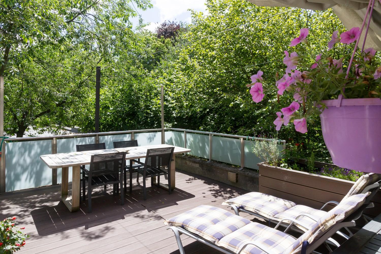 Halfopen woning met praktijkruimte/kantoor op een zeer centrale locatie te Wijnegem! afbeelding 1