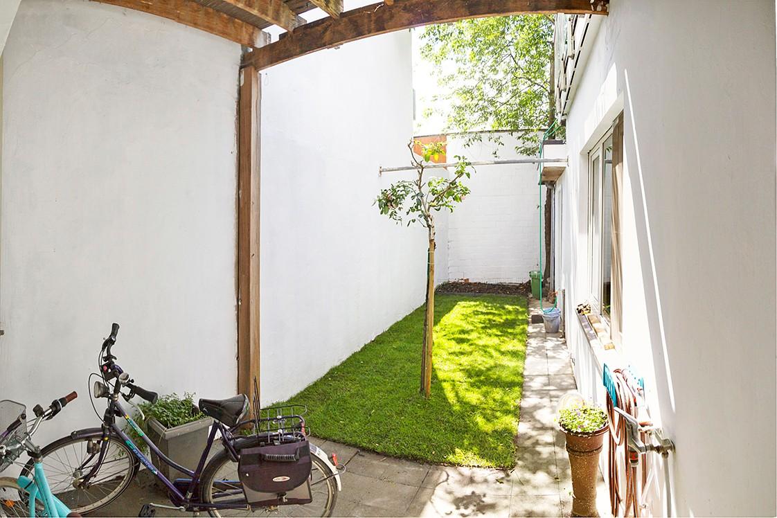 Halfopen woning met praktijkruimte/kantoor op een zeer centrale locatie te Wijnegem! afbeelding 22