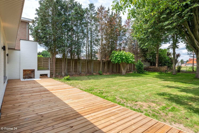 Prachtig gerenoveerde laagbouwvilla met 2 slaapkamers op een rustige locatie in Pulderbos afbeelding 3