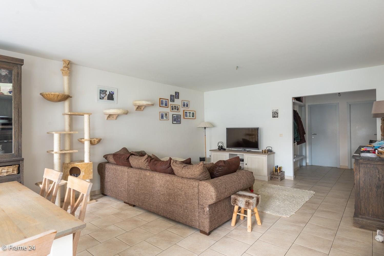 Ruim gelijkvloers appartement met 2 slks én tuin op zeer gegeerde locatie te Berchem! afbeelding 3