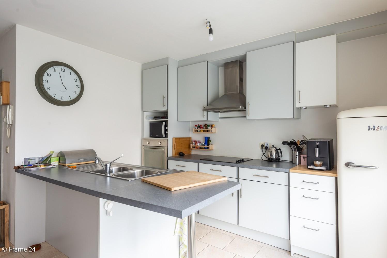 Ruim gelijkvloers appartement met 2 slks én tuin op zeer gegeerde locatie te Berchem! afbeelding 2