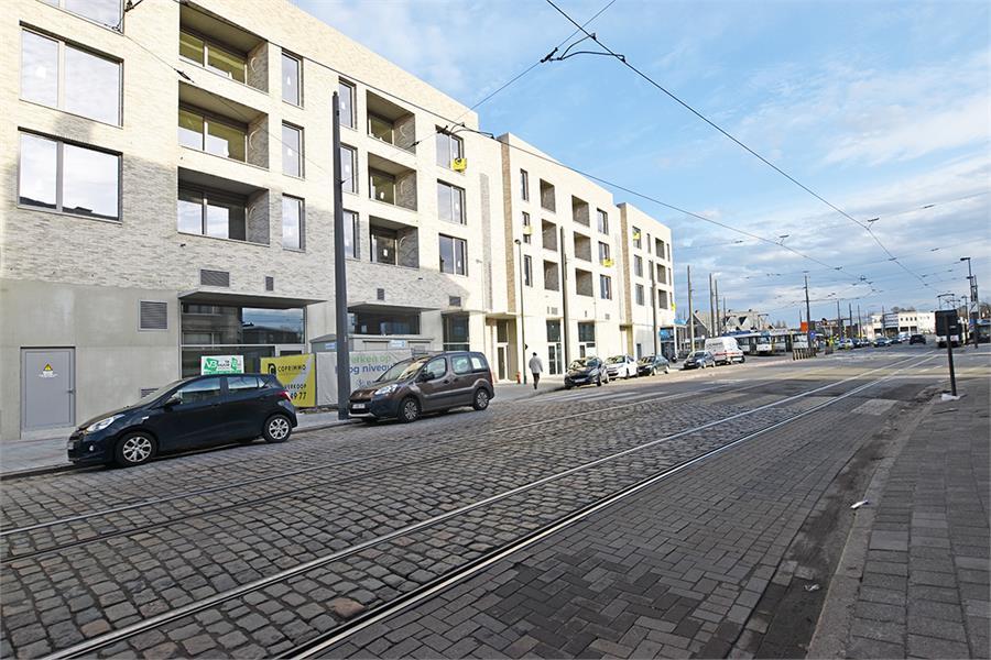 Commerciële ruimte op een zeer visibele locatie te Deurne-Zuid! afbeelding 3