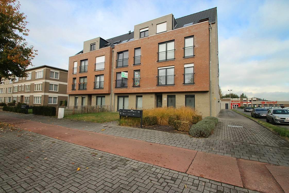 Instapklaar appartement op de eerste verdieping met twee slaapkamers en ruim terras (18m²) te Wommelgem! afbeelding 16
