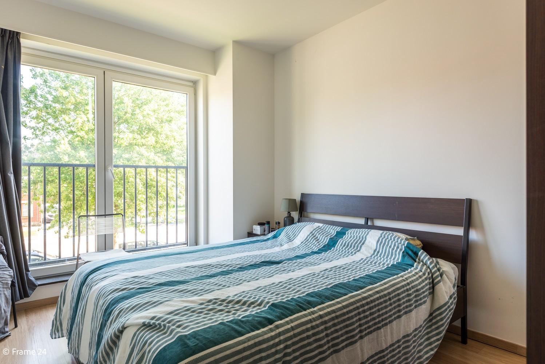 Instapklaar appartement op de eerste verdieping met twee slaapkamers en ruim terras (18m²) te Wommelgem! afbeelding 9