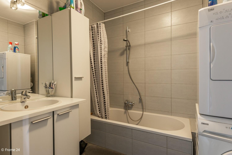 Instapklaar appartement op de eerste verdieping met twee slaapkamers en ruim terras (18m²) te Wommelgem! afbeelding 10