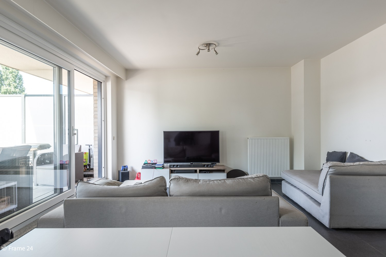 Instapklaar appartement op de eerste verdieping met twee slaapkamers en ruim terras (18m²) te Wommelgem! afbeelding 5