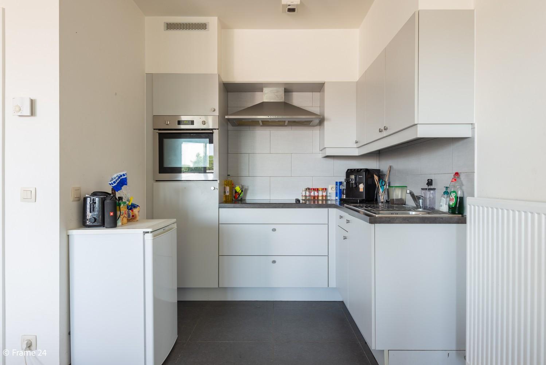 Instapklaar appartement op de eerste verdieping met twee slaapkamers en ruim terras (18m²) te Wommelgem! afbeelding 8
