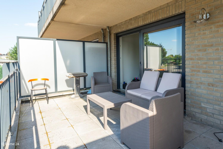 Instapklaar appartement op de eerste verdieping met twee slaapkamers en ruim terras (18m²) te Wommelgem! afbeelding 12