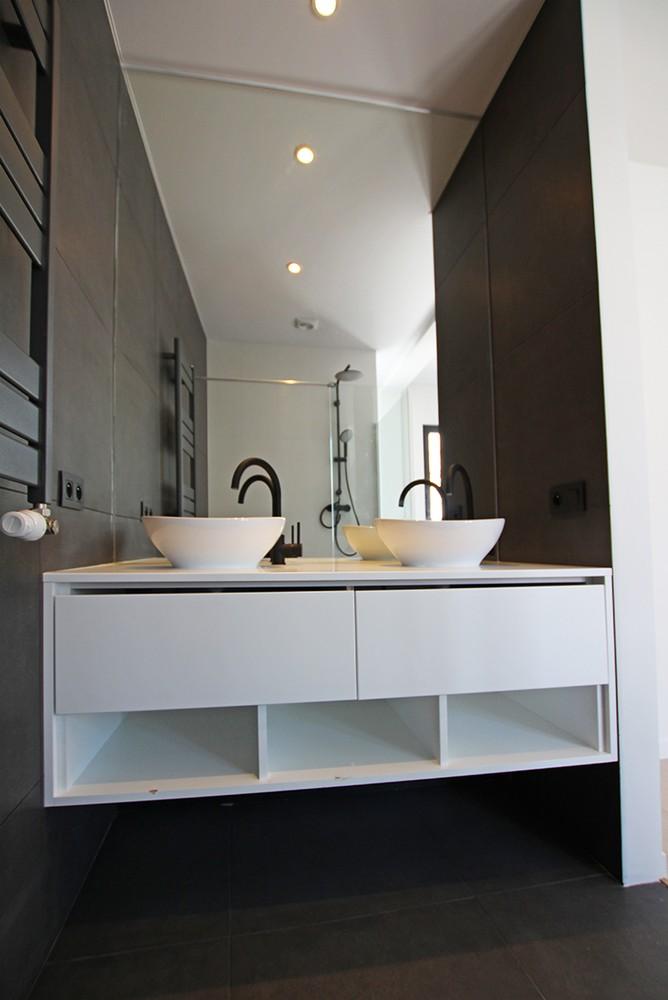 Stijlvol gerenoveerd appartement met twee slaapkamers en prachtig terras (28 m²) in het hartje van Antwerpen! afbeelding 10